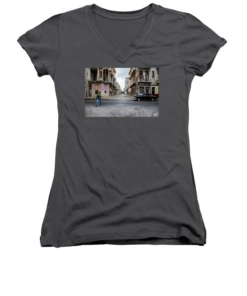 Habana Vieja Horizon Women's V-Neck T-Shirt