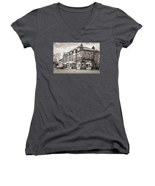 High Street. Women's V-Neck