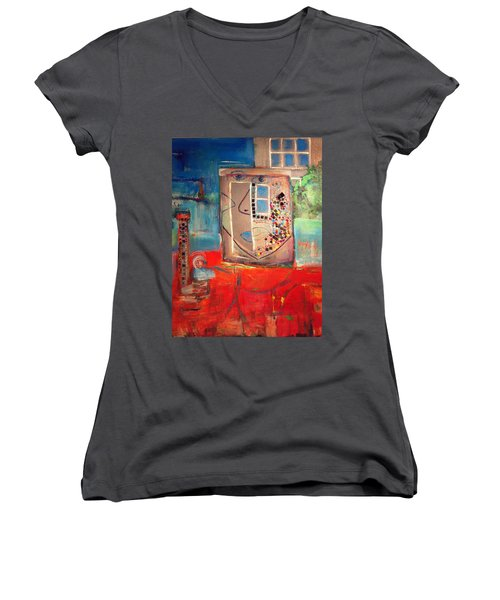 Hood Women's V-Neck T-Shirt