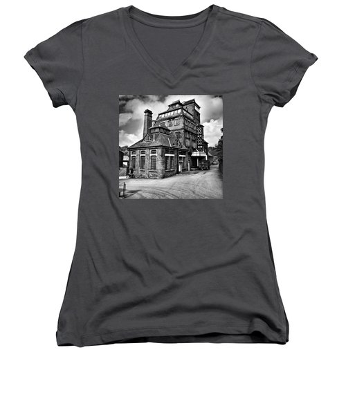 Hook Norton Brewery Women's V-Neck (Athletic Fit)