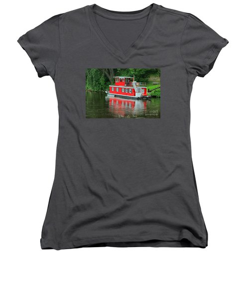 Houseboat On The Mississippi River Women's V-Neck T-Shirt (Junior Cut)
