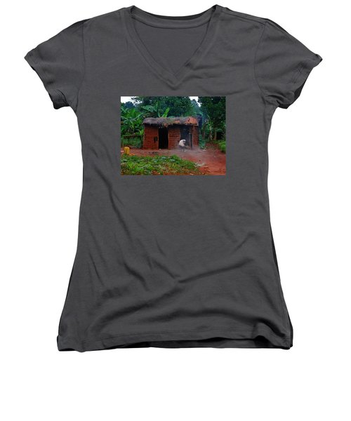 Housecleaning Africa Style Women's V-Neck T-Shirt