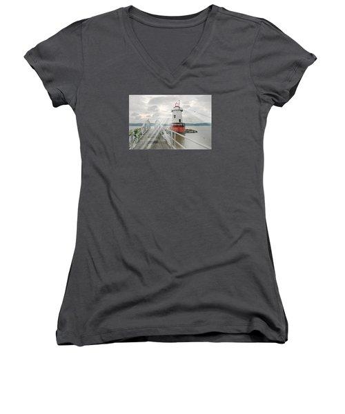 Hudson Light Women's V-Neck T-Shirt