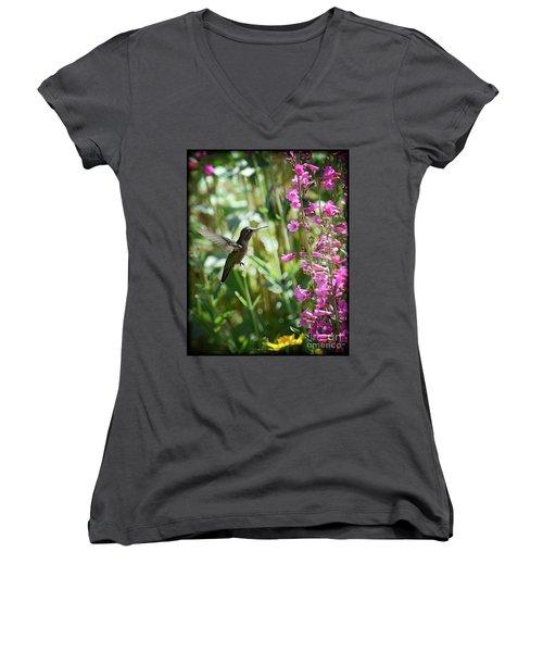Hummingbird On Perry's Penstemon Women's V-Neck T-Shirt (Junior Cut) by Saija  Lehtonen