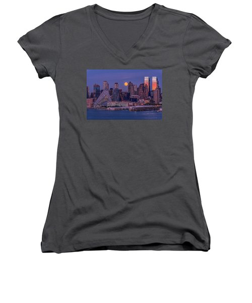 Hunter's Moon Over Ny Women's V-Neck
