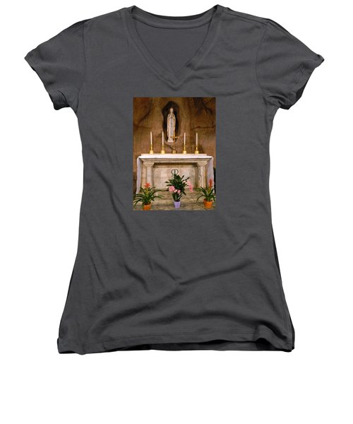 I Am The Immaculate Conception - Tiny Chapel On Crypt Level Women's V-Neck
