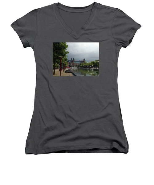 I Amsterdam Women's V-Neck T-Shirt (Junior Cut) by Therese Alcorn