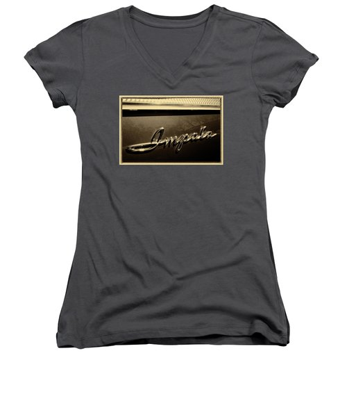 Impala Women's V-Neck T-Shirt