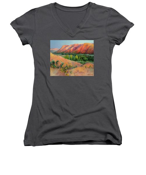 Indian Hill Women's V-Neck (Athletic Fit)