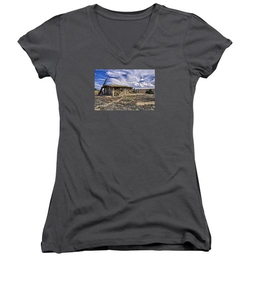 Women's V-Neck T-Shirt (Junior Cut) featuring the photograph Indian Trading Post Montrose Colorado by James Steele