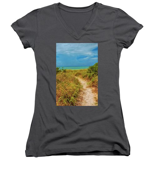 Island Path Women's V-Neck (Athletic Fit)