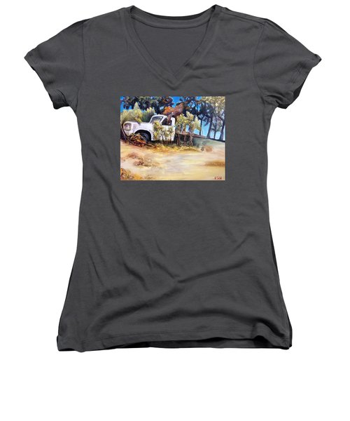 It Bore The Load Women's V-Neck T-Shirt