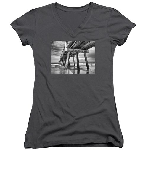 Jacksonville Beach Florida Usa Pier Women's V-Neck T-Shirt