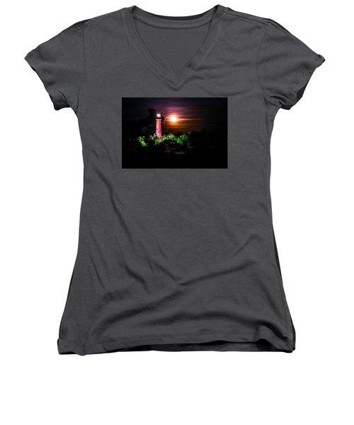 Jupiter Lighthouse Women's V-Neck T-Shirt