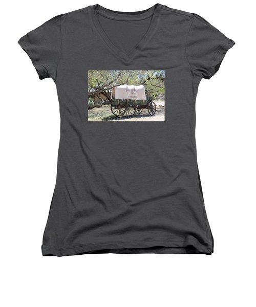 K L Bar Wagon Women's V-Neck T-Shirt