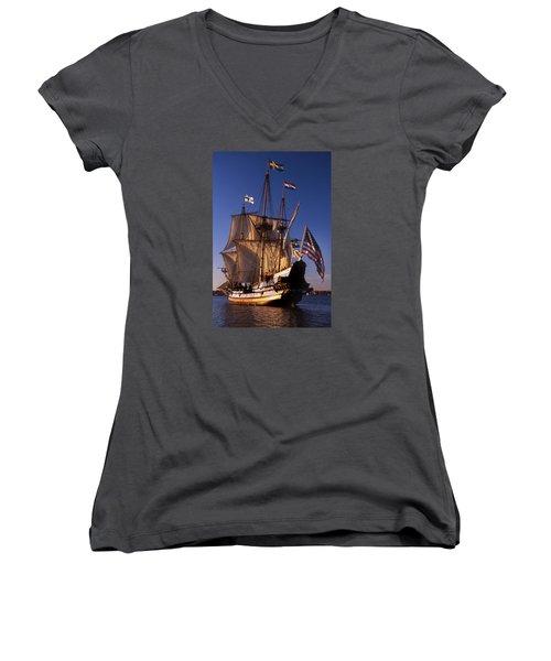 Kalmar Nyckel Women's V-Neck T-Shirt