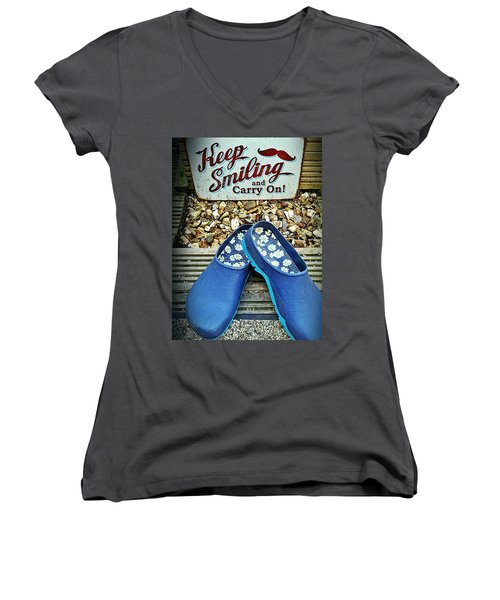 Women's V-Neck featuring the photograph Keep Smiling And Carry On by Vix Edwards