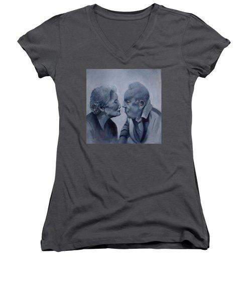 Kiss Women's V-Neck T-Shirt