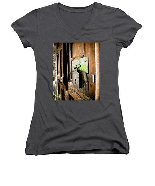 La Porta Chiusa Women's V-Neck T-Shirt
