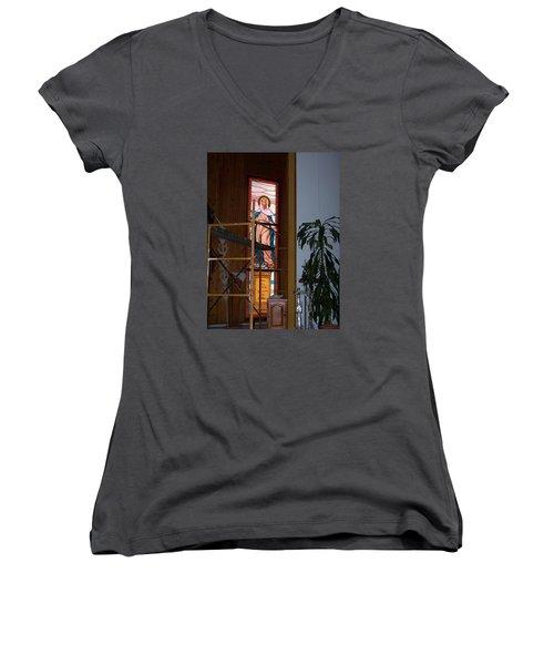 La Virgen Milagrosa Women's V-Neck T-Shirt