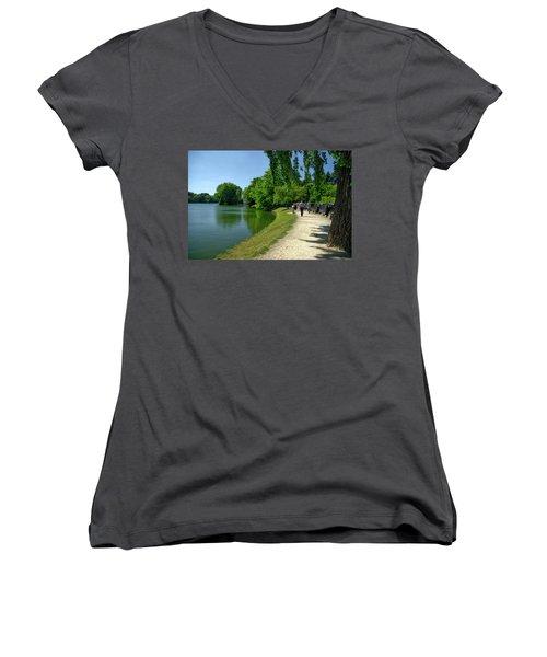 Lac De Genval Women's V-Neck