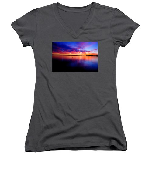 Lake Murray Sunset 21 Women's V-Neck T-Shirt