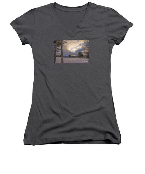 Last Sunset Of 2015 Women's V-Neck T-Shirt (Junior Cut) by Alana Ranney