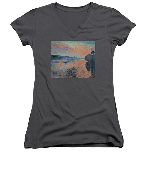 Le Coucher Du Soleil La Meuse Maastricht Women's V-Neck T-Shirt (Junior Cut)