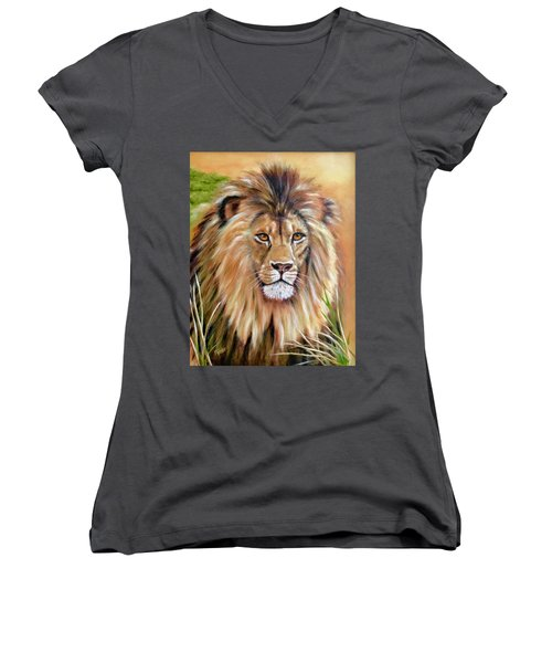 Le Roi-the King, Tribute To Cecil The Lion   Women's V-Neck (Athletic Fit)