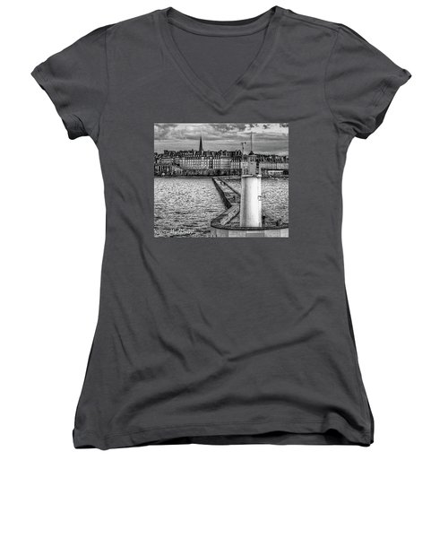 Women's V-Neck T-Shirt featuring the photograph Lighthouse Walkway by Elf Evans