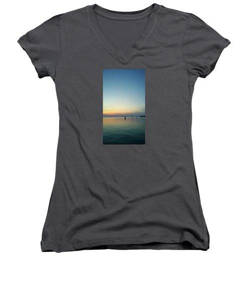 Women's V-Neck T-Shirt featuring the photograph Liquid Sunset by Anne Kotan
