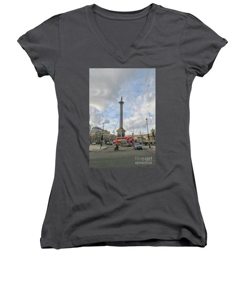London Bus And Lord Nelson Women's V-Neck (Athletic Fit)
