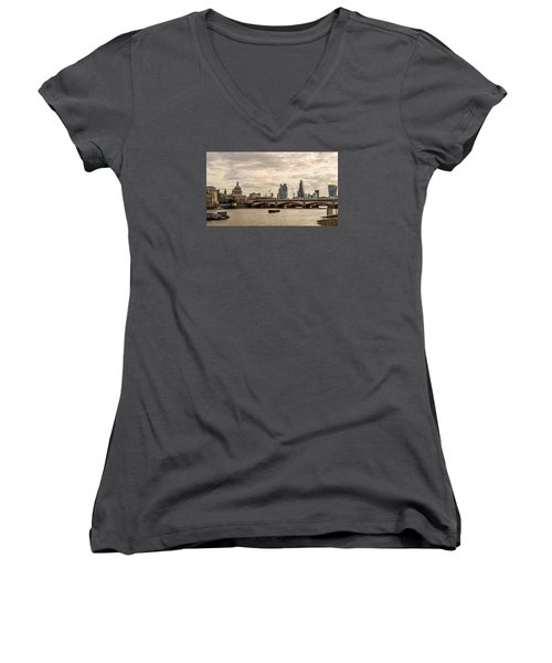 London Cityscape Women's V-Neck (Athletic Fit)