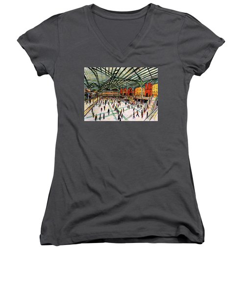 London Train Station Women's V-Neck T-Shirt