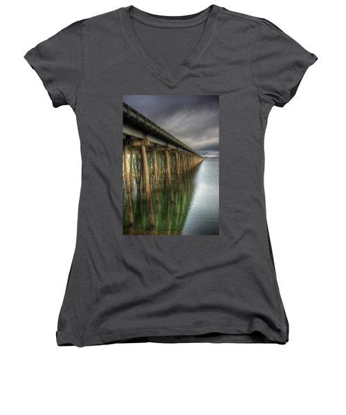 Long Bridge  Women's V-Neck