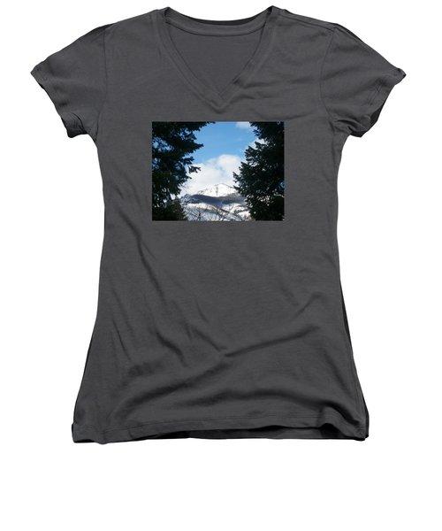 Women's V-Neck T-Shirt (Junior Cut) featuring the photograph Looking Through by Jewel Hengen