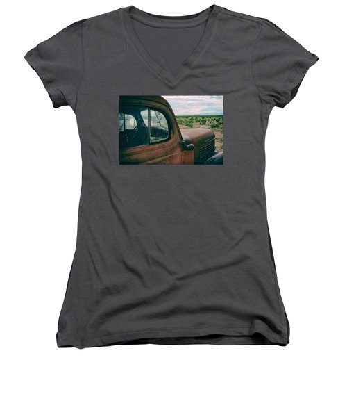 Looking West Women's V-Neck T-Shirt