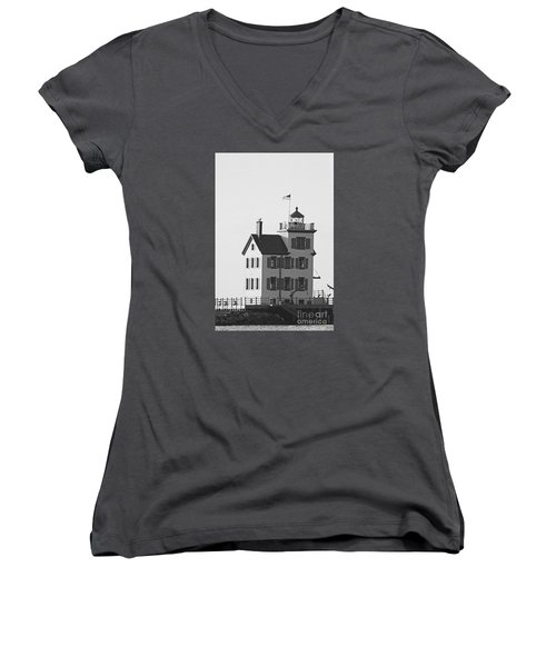 Lorain Lighthouse In Black And White Women's V-Neck T-Shirt