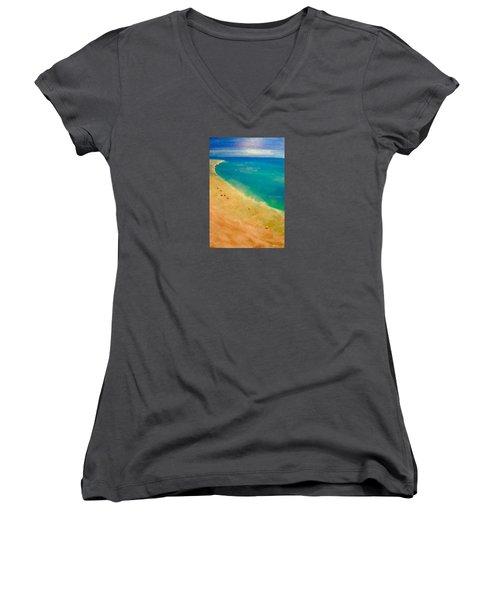 Lumbarda Women's V-Neck T-Shirt