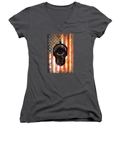 M1911 Colt 45 On Rusted American Flag Women's V-Neck T-Shirt