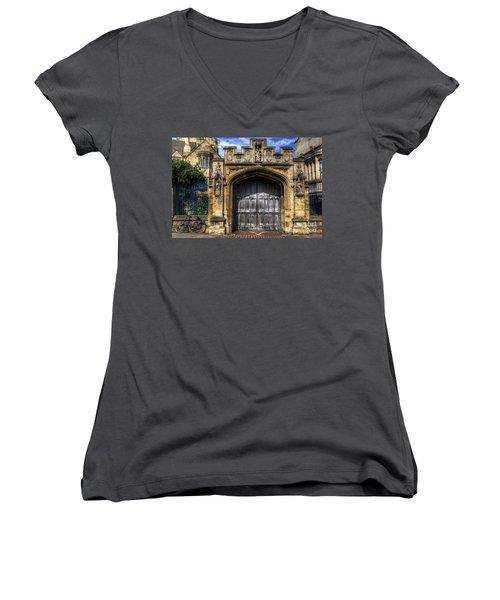 Magdalen College Door - Oxford Women's V-Neck