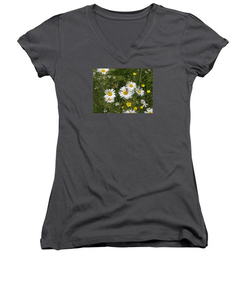 Maine Flowers Women's V-Neck T-Shirt