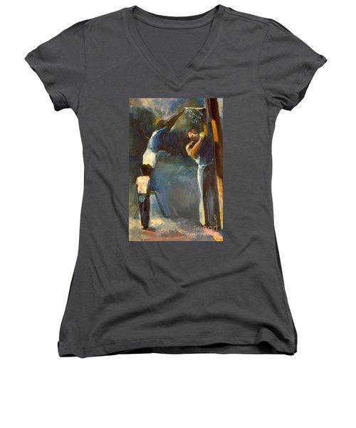 Makin Basketball Women's V-Neck T-Shirt (Junior Cut)