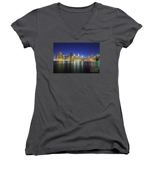 Manhattan Nite Lites Nyc Women's V-Neck T-Shirt