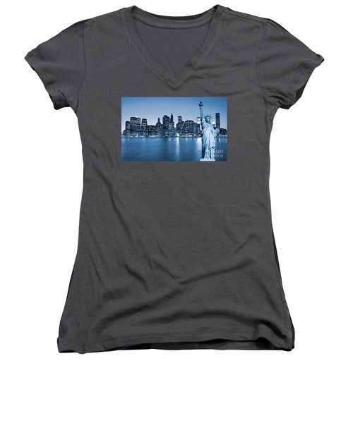 Manhattan Skyline Women's V-Neck T-Shirt