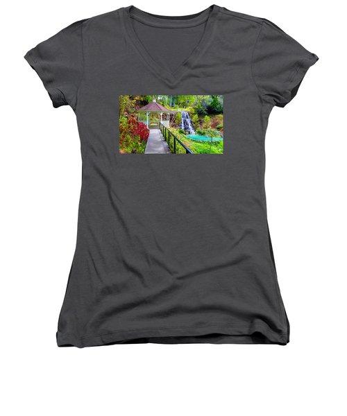 Maui Botanical Garden Women's V-Neck T-Shirt