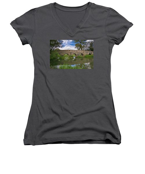 Medieval Bridge Women's V-Neck T-Shirt
