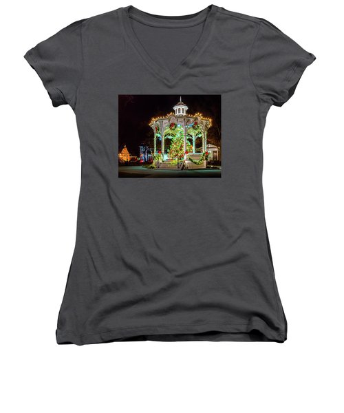 Medina, Ohio Christmas On The Square. Women's V-Neck