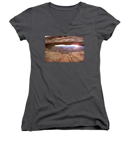 Mesa Arch Women's V-Neck (Athletic Fit)