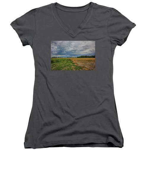 Midwest Weather Women's V-Neck T-Shirt